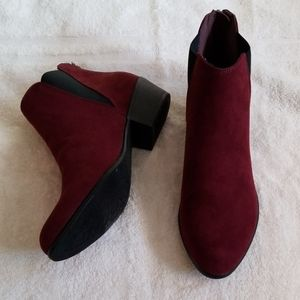 Esprit Tiffany Wine Burgundy Ankle Boots in 6.5